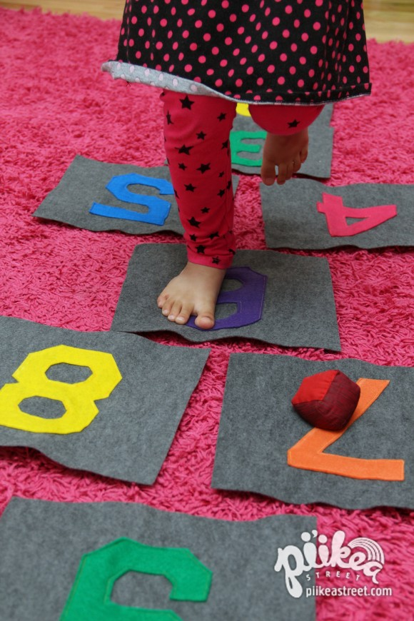 Hopscotch Tiles Play