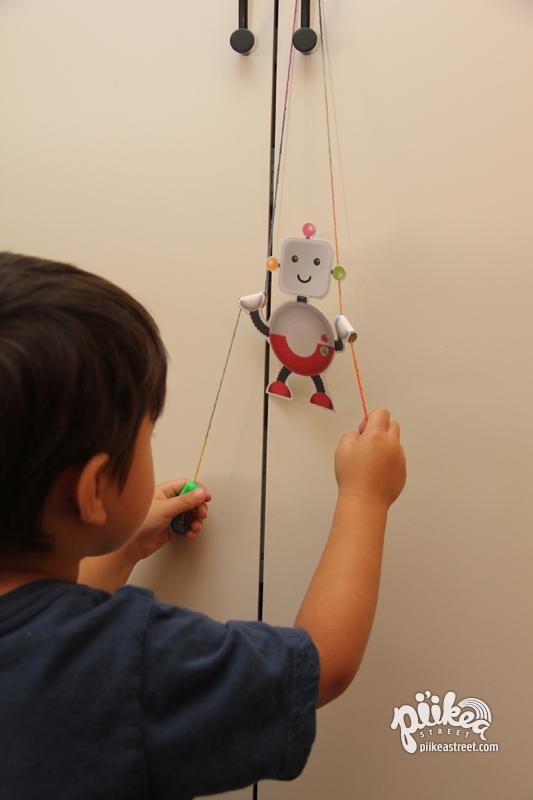 Climbing Robot Play